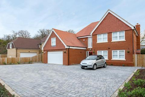 4 bedroom detached house for sale - Park Avenue, Broadstairs