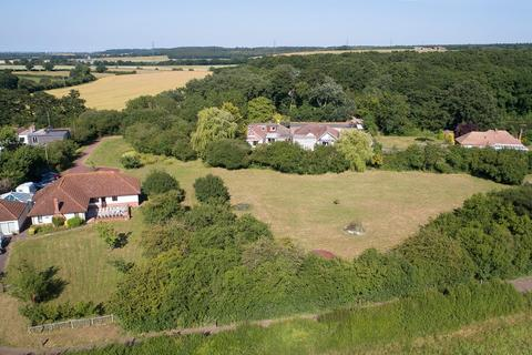 6 bedroom detached bungalow for sale - Pean Hill, Whitstable