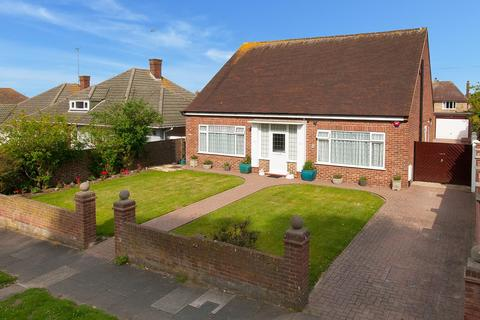 3 bedroom detached bungalow for sale - Princes Gardens, Margate