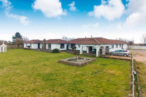 5 bedroom detached bungalow for sale - New Dover Road, Capel-Le-Ferne, Folkestone