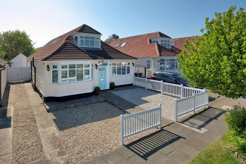 4 bedroom chalet for sale - Botany Road, Broadstairs