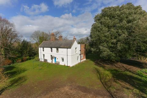 6 bedroom detached house for sale - Old Park, Canterbury