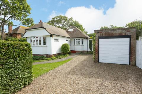 4 bedroom detached bungalow for sale - Kingsgate Avenue, Broadstairs