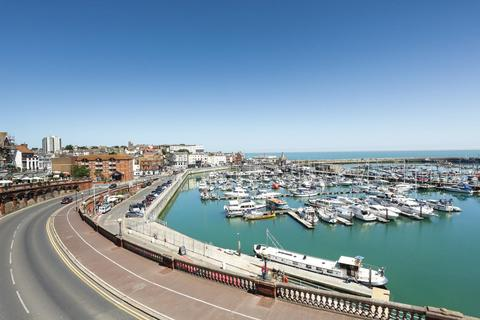 3 bedroom flat for sale - Nelson Crescent, RAMSGATE