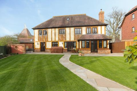 6 bedroom detached house for sale - Chapman Fields, Cliffsend, Ramsgate