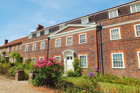 3 bedroom flat for sale - Highfield