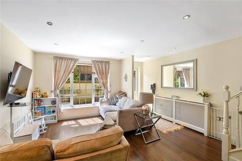 2 bedroom house for sale - Michael Close, Bow Common Lane, London, E3