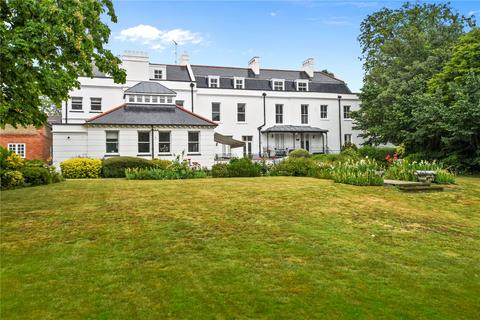 2 bedroom flat to rent - Snaresbrook House, Woodford Road, London, E18