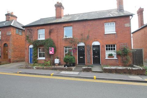 3 bedroom terraced house to rent - Langborough Road, Wokingham
