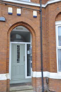 2 bedroom ground floor flat to rent - 26 Central Road, Didsbury, Manchester M20