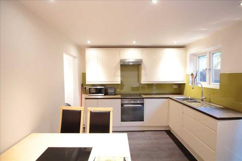 4 bedroom house to rent - Chale Road, Brixton Hill