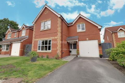4 bedroom detached house for sale - Langley Drive, Crewe