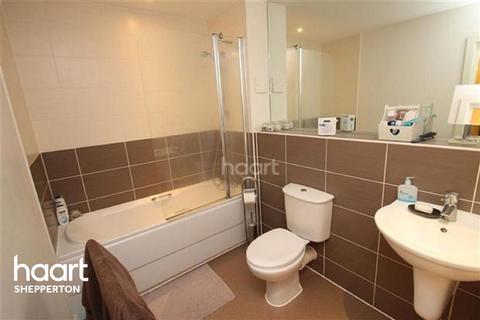 1 bedroom flat for sale - Govett Avenue, Shepperton