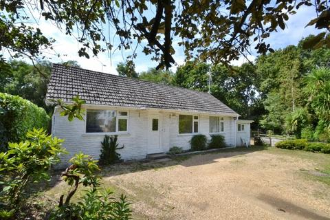 2 bedroom bungalow for sale - Merley