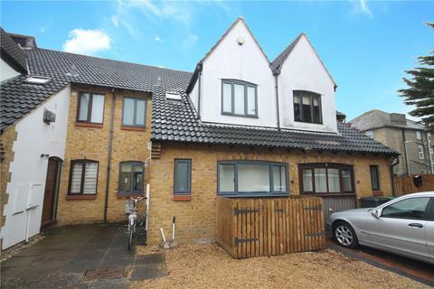 4 bedroom semi-detached house for sale - Elsworth Place, Cambridge, CB2