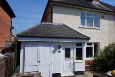 3 bedroom semi-detached house to rent - Alder Road,,Southampton,Hampshire