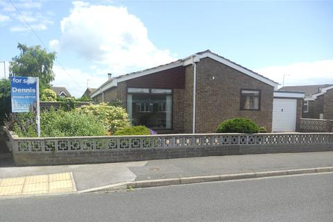 3 bedroom bungalow for sale - Albina Garth, Hedon, Hull, East Riding of Yorkshire, HU12