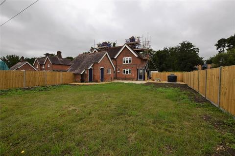 3 bedroom semi-detached house to rent - Travellers Corner Cottage, West End Road, Mortimer, RG7