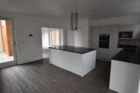 5 bedroom terraced house to rent - 4 Kenwood Court, 472 Mansfield Road, Nottingham, NG5 2EL
