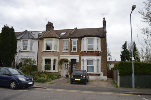 2 bedroom flat for sale - Toronto Road, Ilford, Essex, IG1