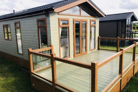 2 bedroom lodge for sale - Bredon's Hardwick Tewkesbury