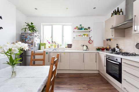 1 bedroom flat for sale - Langham Close N15