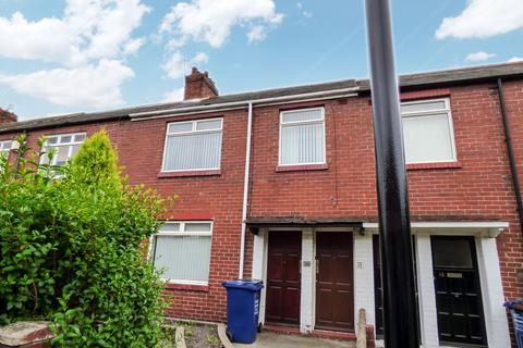 2 bedroom flat for sale - Chatsworth Gardens, Walker, Newcastle upon Tyne, Tyne and Wear, NE6 2TP
