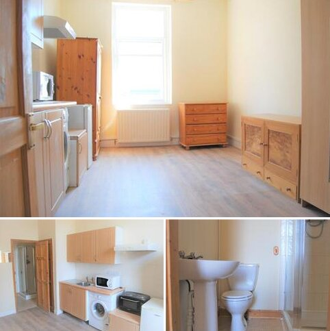 Studio to rent - Uxbridge Road, Acton, London W3