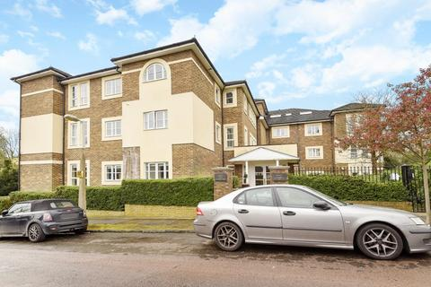 2 bedroom flat for sale - Eversham Court,, Richmond, TW10