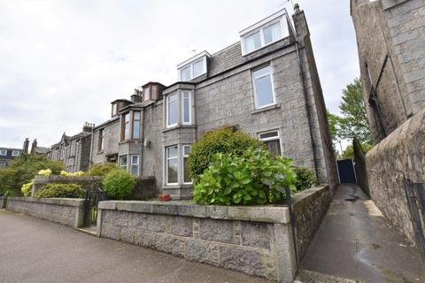 3 bedroom flat to rent - Elmfield Avenue, City Centre, Aberdeen, AB24 3NU