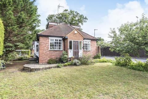 2 bedroom detached bungalow for sale - Sunninghill, Ascot, SL5