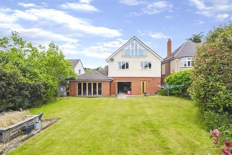 4 bedroom detached house for sale - Twemlow Avenue, Poole Park, Poole, Dorset, BH14