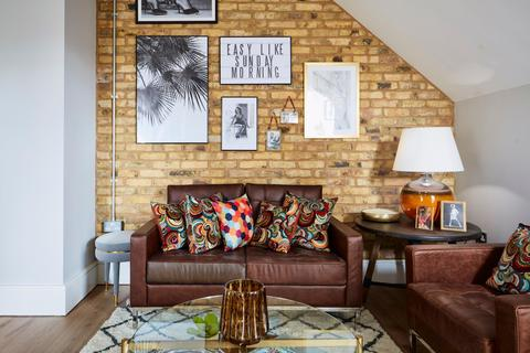 2 bedroom flat for sale - Plassy Road London SE6