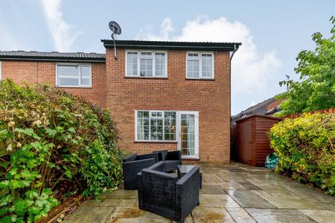 3 bedroom semi-detached house to rent - Guildford