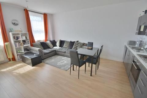 2 bedroom flat for sale - Voyager House, High Street North, Poole, BH15 1DX