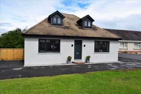 4 bedroom detached bungalow for sale - Cross Hands Road,, GORSLAS, Llanelli