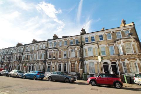 1 bedroom flat to rent - Tregothnan Road, Clapham