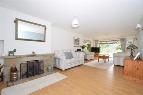 4 bedroom detached bungalow for sale - Butchers Lane, Mereworth, Maidstone, Kent