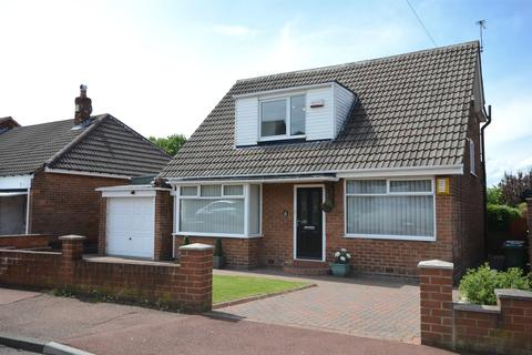 4 bedroom bungalow for sale - Harlow Green