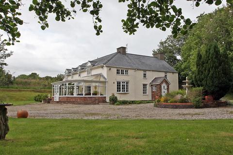 5 bedroom detached house for sale - Min-Y-Ffordd, Penrhos, North Wales