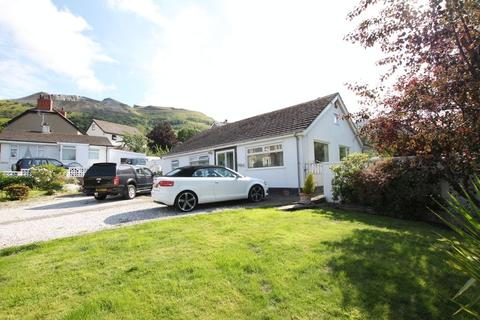 3 bedroom detached bungalow for sale - Penmaenmawr, Conwy