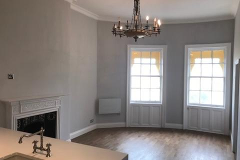 1 bedroom property to rent - Brunswick Square, Hove