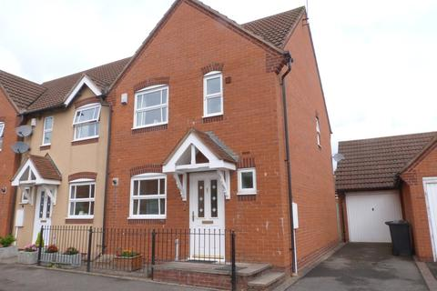 3 bedroom end of terrace house to rent - Kaskelot Way, Hempsted, Gloucester