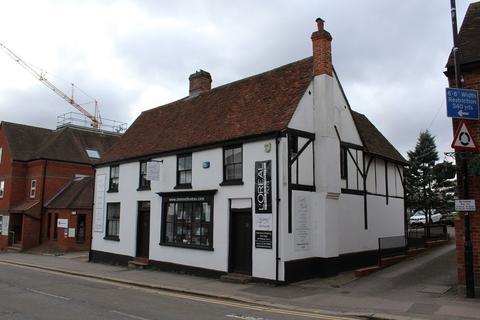 Shop to rent - Denmark Street, Wokingham, Berkshire
