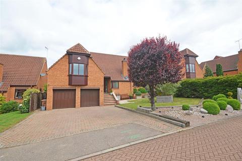 5 bedroom detached house for sale - Vetchfield, Orton Brimbles, Peterborough