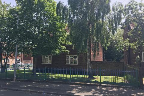2 bedroom flat to rent - Buckingham Road, Swinton