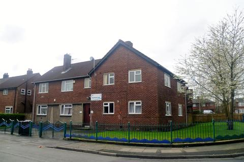 2 bedroom flat to rent - Buckingham Road, Swinton