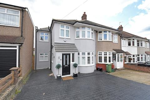 4 bedroom semi-detached house for sale - Somerset Avenue, Welling, DA16
