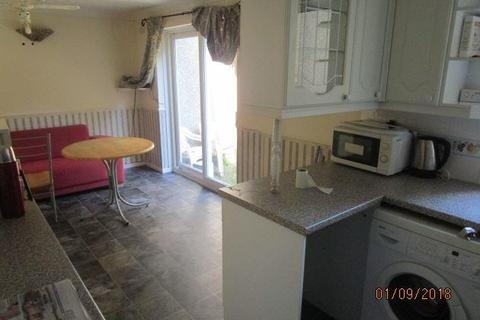 4 bedroom terraced house to rent - Broadfields, Brighton