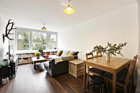 1 bedroom flat for sale - Julius Court, Justin Close, Brentford